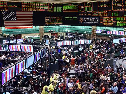 Rekordowy popyt na paliwa przysłużył się ograniczeniu zapasów i wzrostowi cen ropy naftowej na giełdzie NYMEX