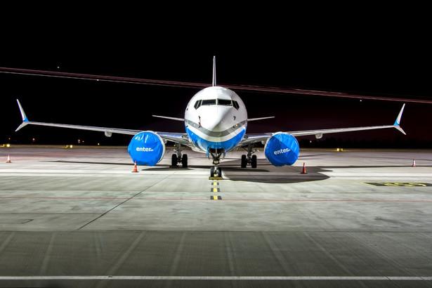 737 MAX linii Enter Air