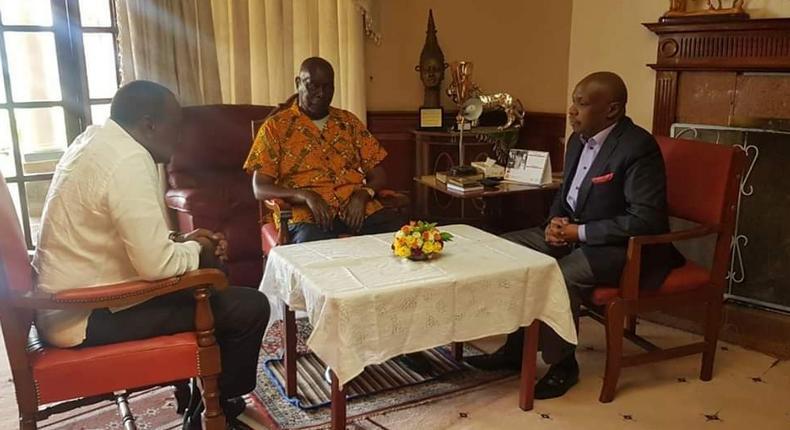 President Uhuru Kenyatta in Kabarak to mourn with Mzee Moi over Jonathan Moi's death