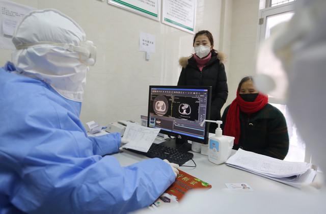 Rađenje analiza na koronavirus u Kini