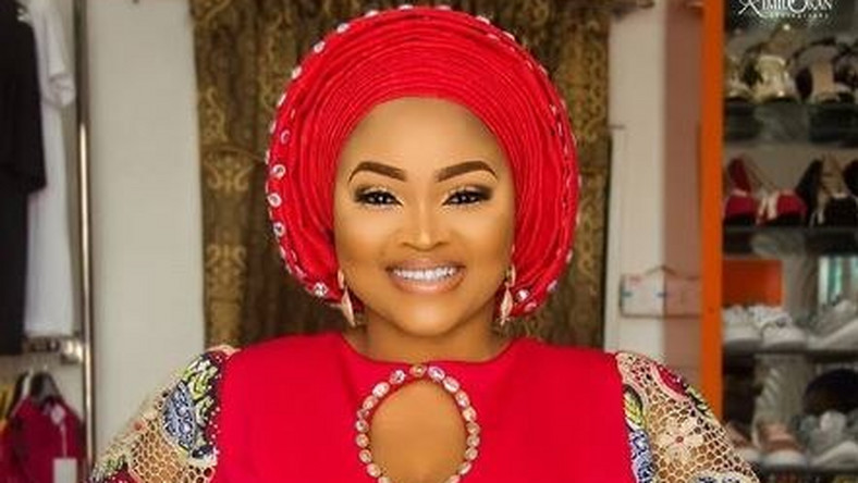 Mercy Aigbe clears the air over relationship with a certain governor [Instagram/MercyAigbe]