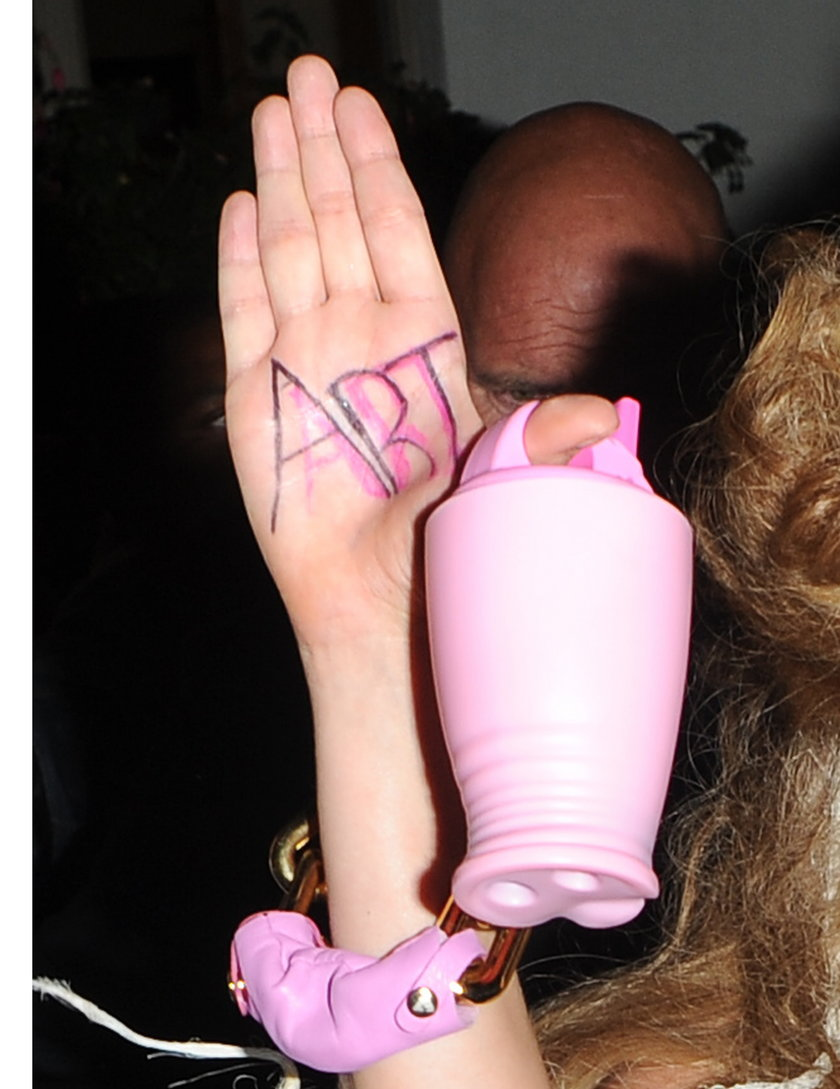 Lady Gaga pokazała sutki