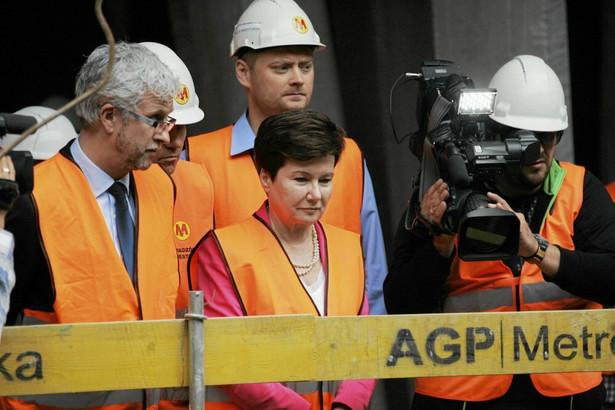 Hanna Gronkiewicz-Waltz podczas budowy metr