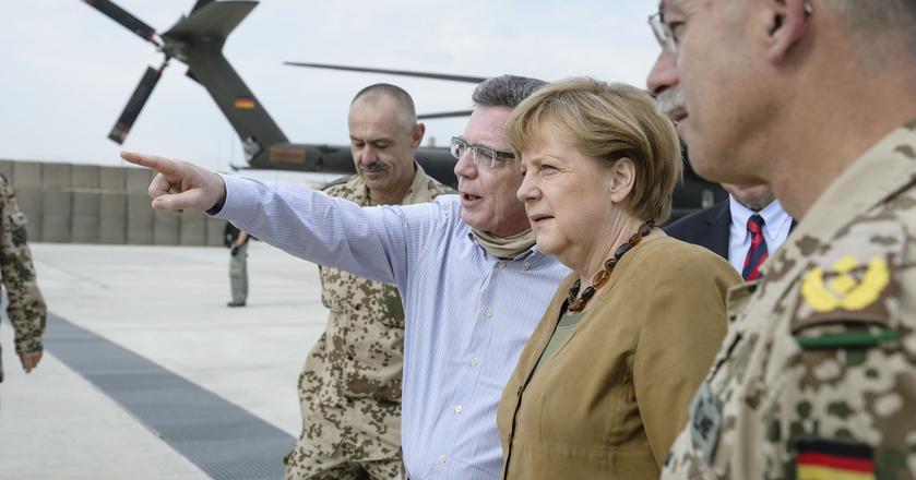 Angela Merkel podczas wizytacji wojsk niemieckich w Afganistanie