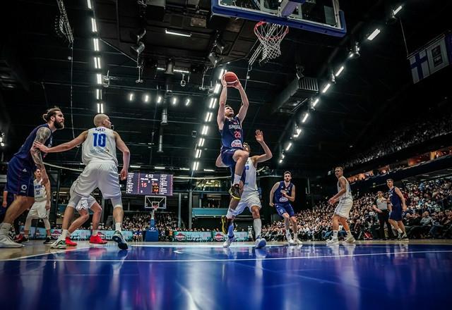 Detalj sa utakmice između košarkaških reprezentacija Finske i Srbije