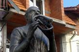 Vranje 31 Oskrnavljeni spomenik Foto S Tasic