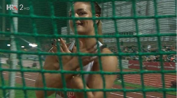 Sandra Perković slavi trijumfalni hitac