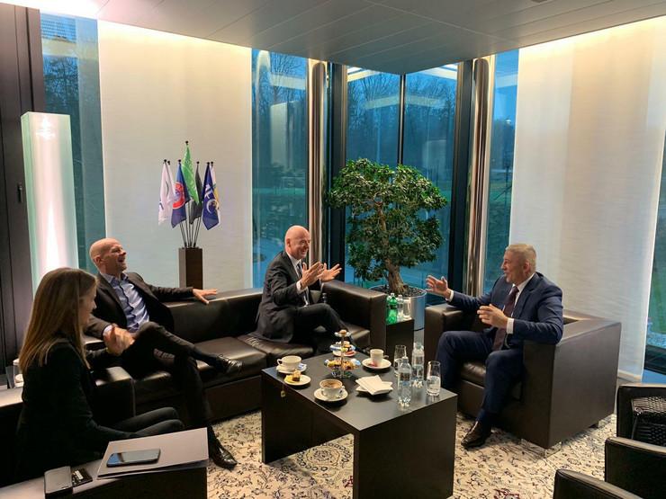 Slaviša Kokeza na sastanku u Švajcarskoj