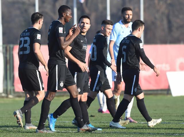 Sadik slavi gol za prvo vođstvo crno-belih na meču Rad - Partizan