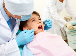Prawie 7 mln mniej wizyt u stomatologów dziecięcych