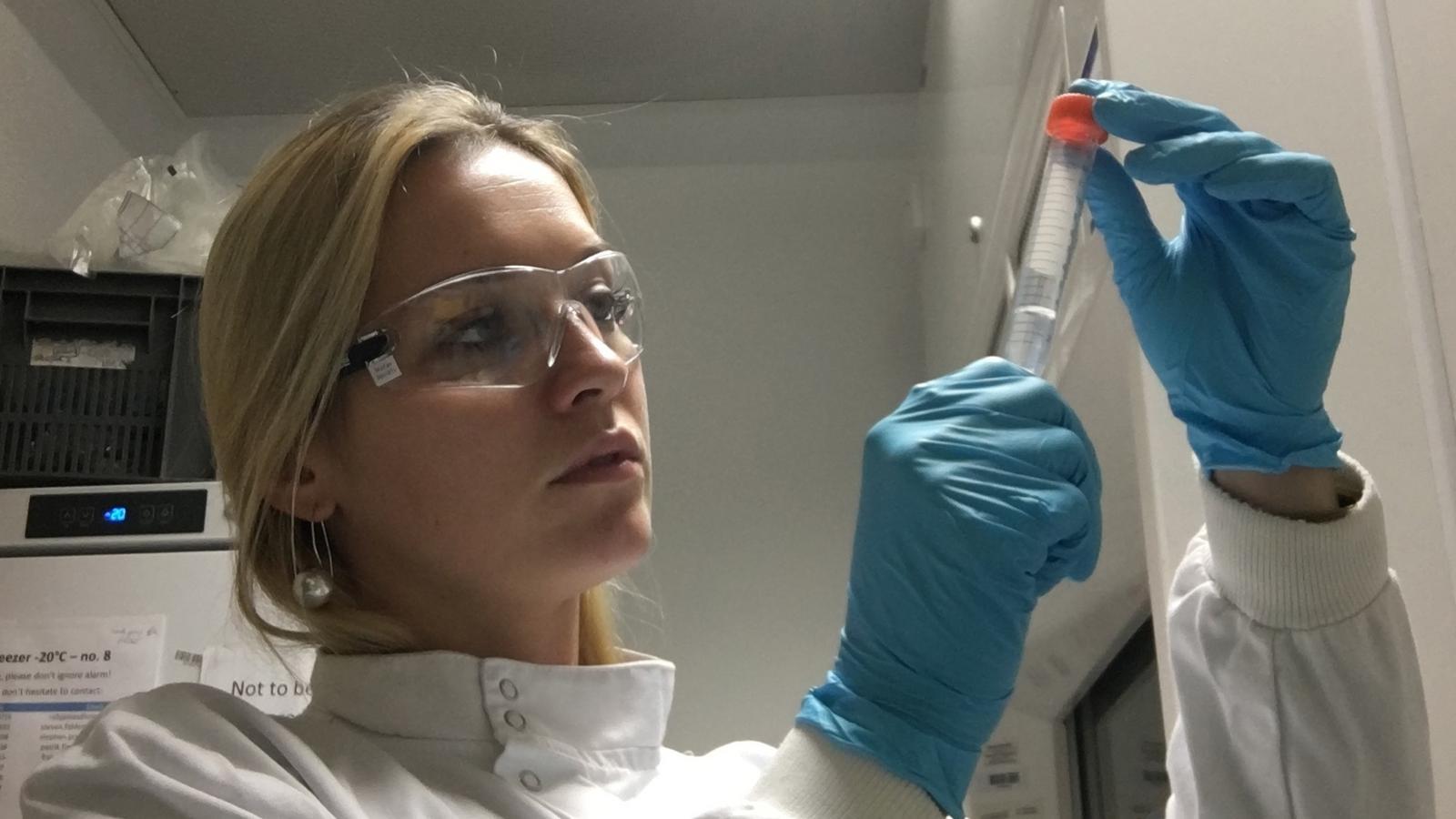 Wirus ECS: Emilia Cecylia Skirmuntt