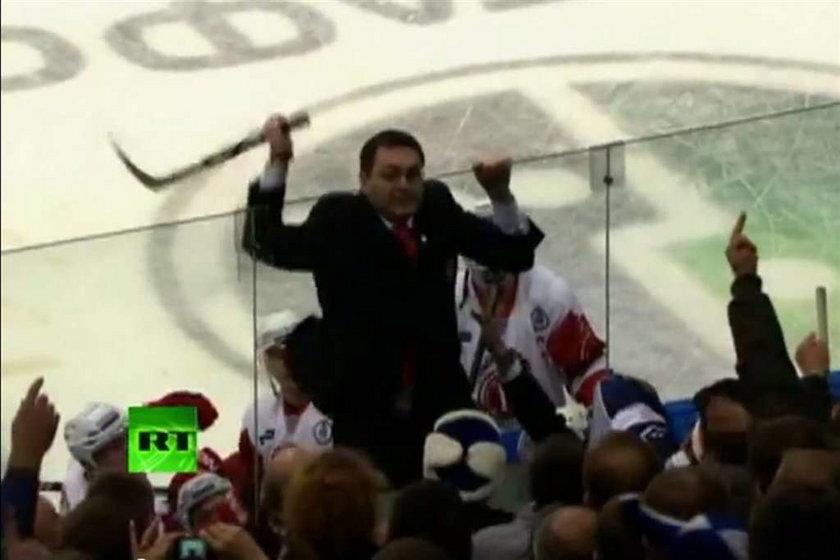 Wścikły trener atakował fanów