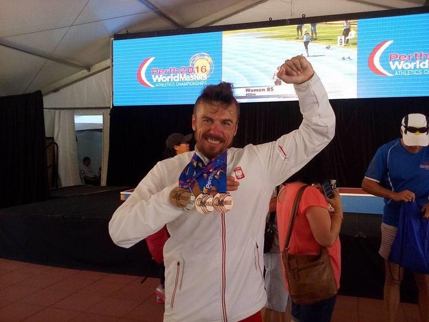 Robert Celiński ma w dorobku m.in. mnóstwo medali z mistrzostw świata w kategorii masters na długich i średnich dystansach