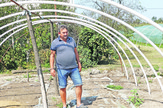 Kraljevo Milovan Lišanin kaže da za 300 evra može da se napravi plastenik foto Nenad Božović