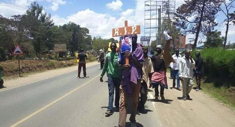 Matatu operators lead mock burial of Laikipia Woman Rep Catherine Waruguru (Twitter)