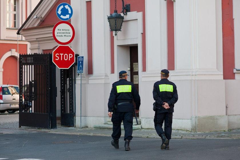 Poznań chce walczyć z dopalaczami i zapowiada więcej patroli