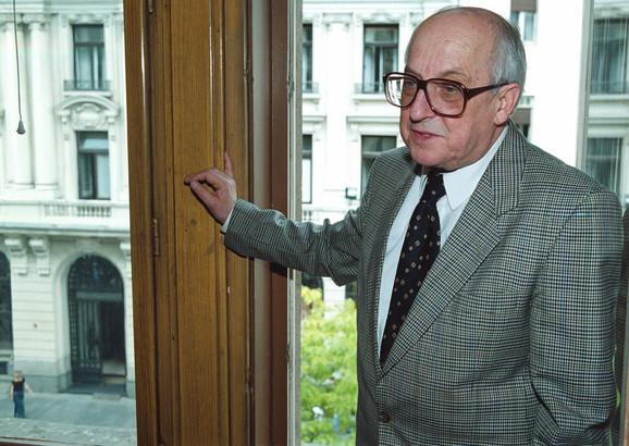 Jedan od najuglednijih srpskih intelektualaca, kritičar i istoričar srpske i jugoslovenske književnosti biće sahranjen sutra na Novom groblju u Beogradu