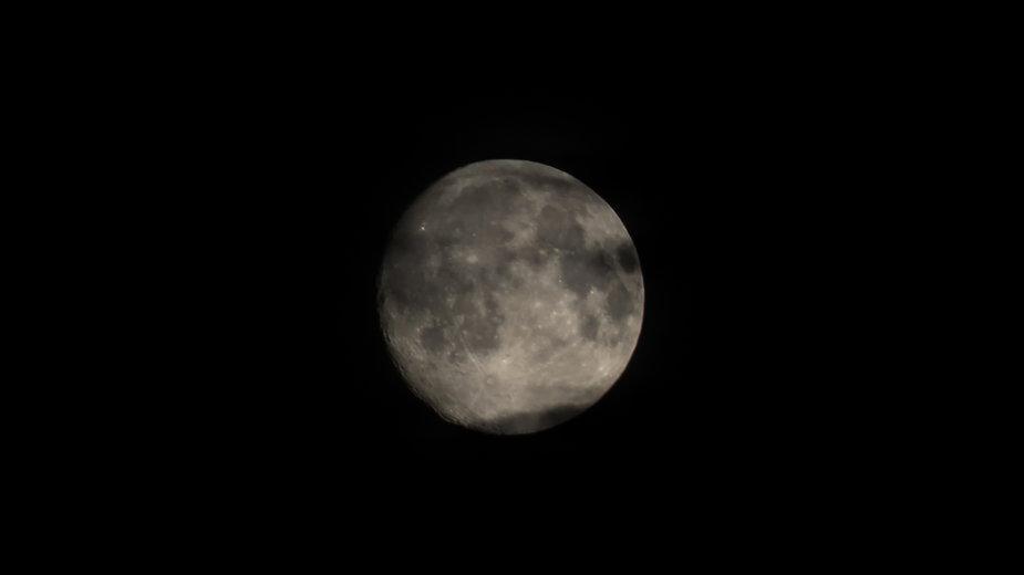 Na Księżycu znaleziono rdzę