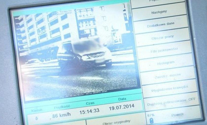 Fotoradary łapią kierowców w al. KEN