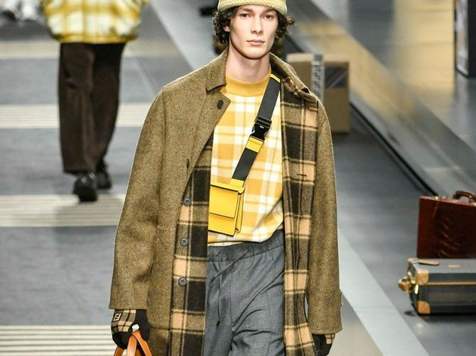 Model iz nove kolekcije modne kuće Fendi