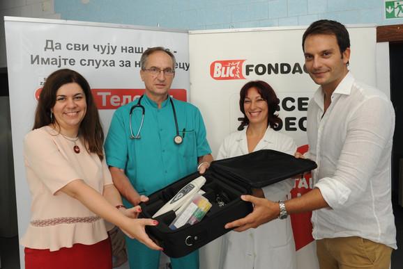 Uručenje aparata za proveru sluha porodilištu u Ljuboviji