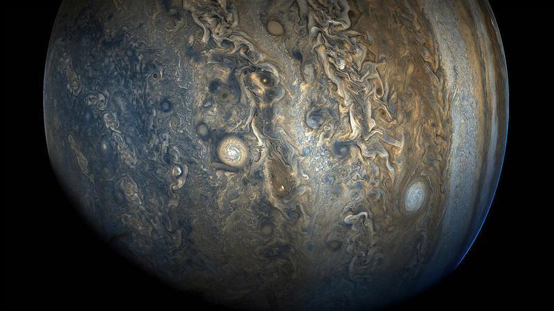 Zachwycający Jowisz w obiektywie sondy Juno