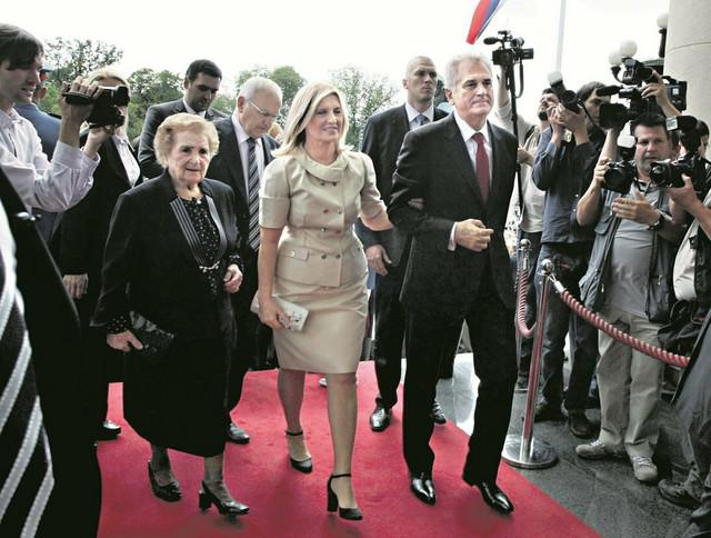 Ko kaže da se u Srbiji ne vole tašte:Milka Ninković, Dragica i Tomislav Nikolić