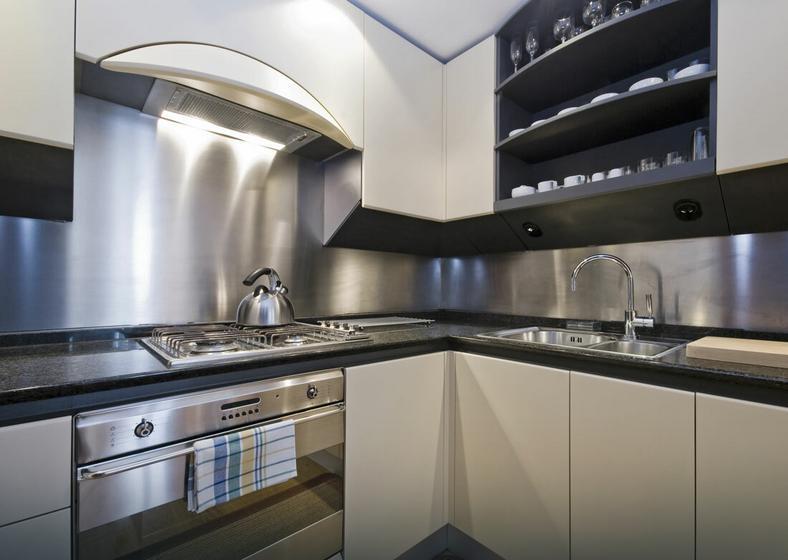 Co zamiast płytek w kuchni?  Dom -> Kuchnia Tapeta Zamiast Plytek