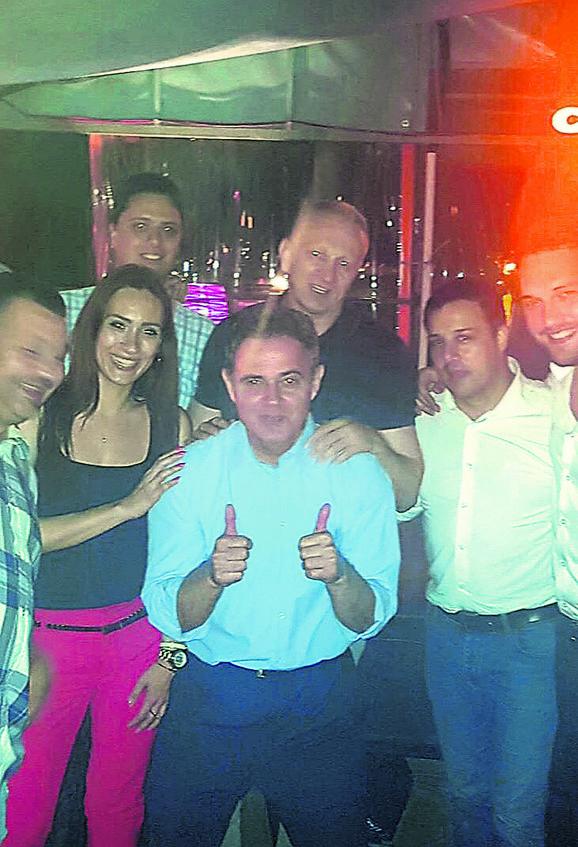 Lutovac sa Đilasom i saradnicima posle pobede na izborima u DS