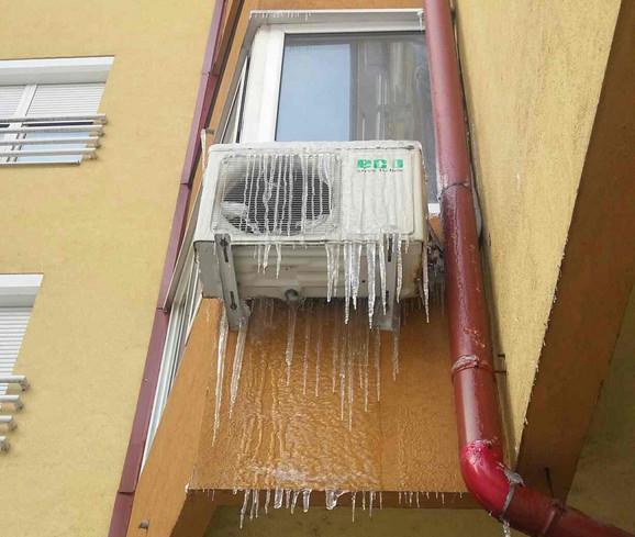Ledenice mogu da vise i sa klima uređaja