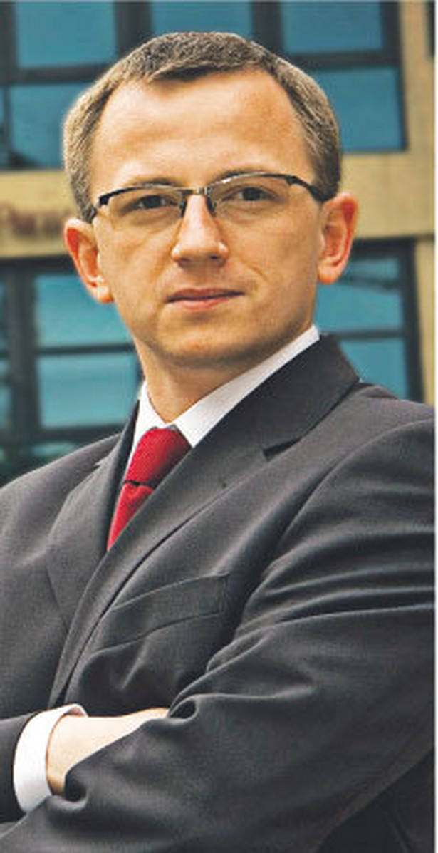 Za zakład uznaje się wykonywanie usług przez przedsiębiorstwo w drugim państwie za pośrednictwem osoby fizycznej przebywającej tam dłużej niż 183 dni w okresie 12 miesięcy – tłumaczy Tomasz Piekielnik Fot. Arch.