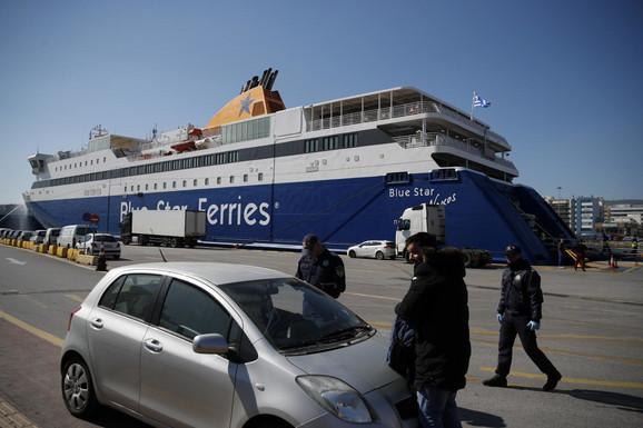 Grčki trajekti