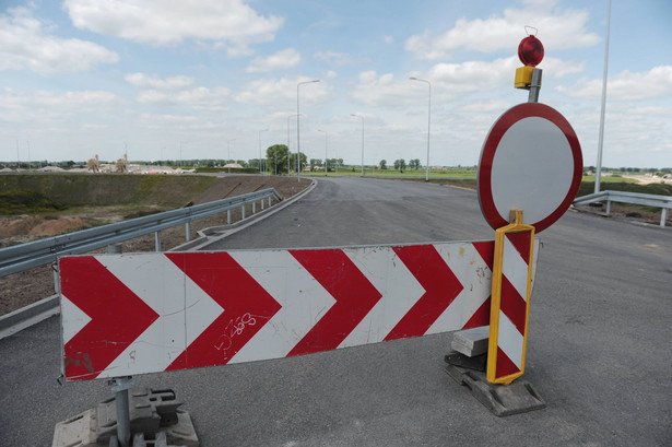 Ponad 200 przedsiębiorców, którzy nie otrzymali wynagrodzenia m.in. za pracę przy budowie dróg, złożyło do GDDKiA wnioski o zapłatę blisko 94 mln zł.