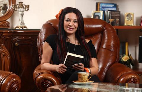 Bila je prva pevačica koja je izvadila silikone: Stoja progovorila o neprijatnom iskustvu!