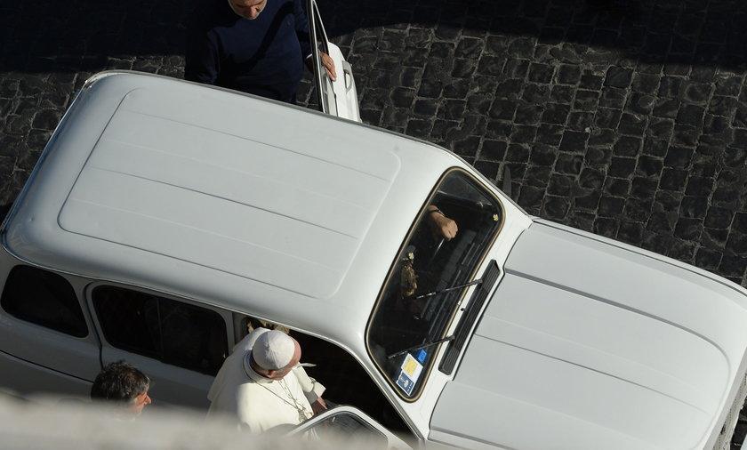 Papież ma nowy samochód