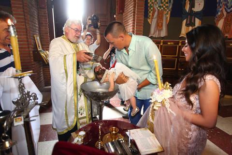 NAJSREĆNIJI DAN Ovako je bilo na krštenju male Lorene!