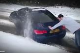 YT_BMW_zaglavljen_u_snegu_vesti_blic_safe