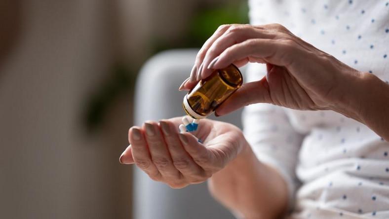 """Metformina - zażywana przez niemal dwa miliony Polaków chorych na cukrzycę, może zawierać silnie trujący związek chemiczny. Jest podawany m.in. szczurom w celu wywołania u nich chorób nowotworowych - pisze """"Dziennik Gazeta Prawna""""."""
