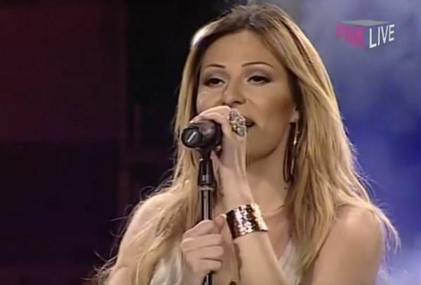 Ušće 2006. je koncert koji se i dan danas pamti, kako po spektaklu, tako i po drastičnoj Cecinoj promeni. Ceo region je brujao o Ceci kada je postala plavuša