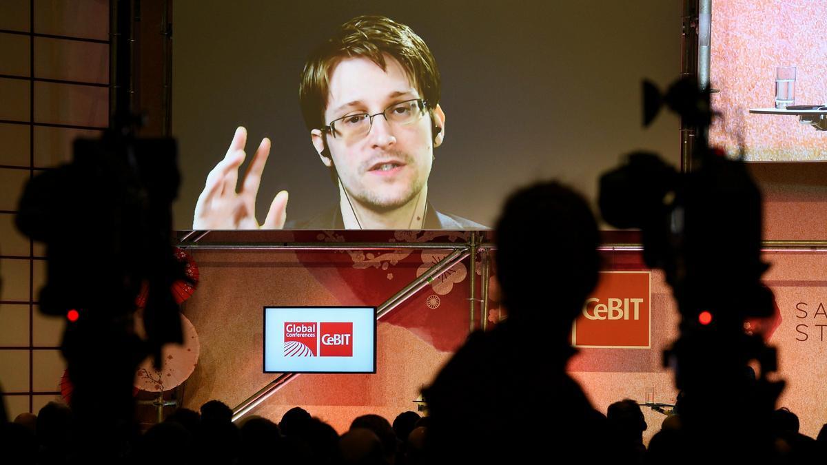 """Újságírók, üzletemberek, ellenzékiek a titkos """"Pegasus"""" kémprogram célkeresztjében"""