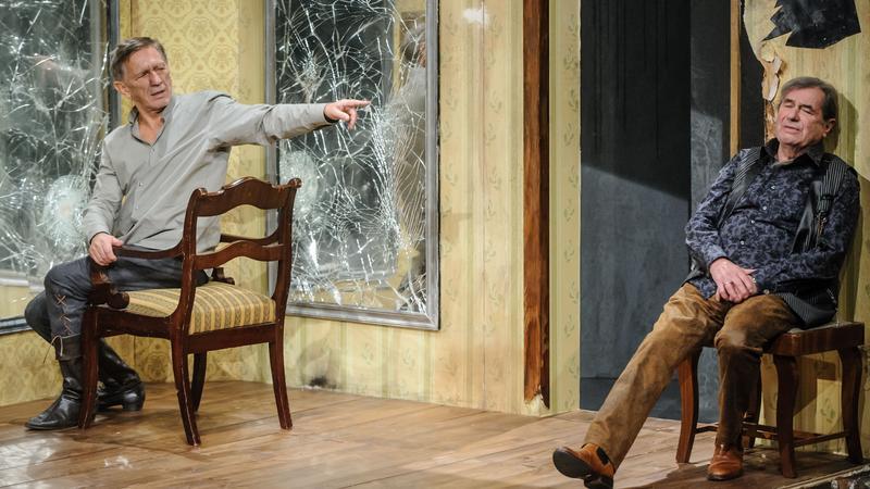 """Spektakl """"Garderobiany"""" w reżyserii Adama Sajnuka z Teatru Narodowego w Warszawie"""