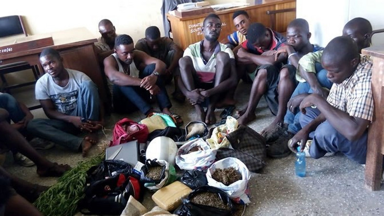 E/R Police round up 15 suspected criminals