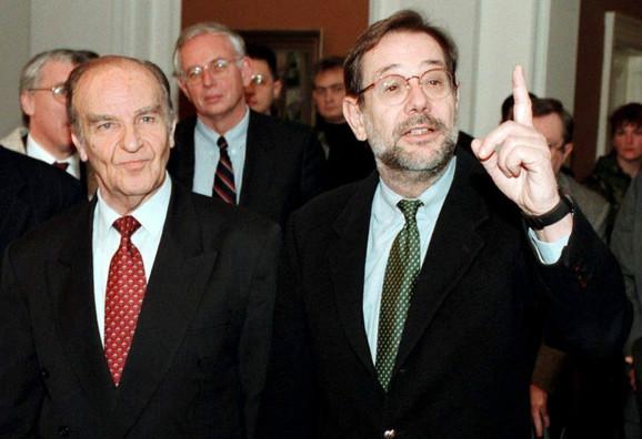 Alija Izetbegović (levo) nikada nije odgovarao za svoje zločine