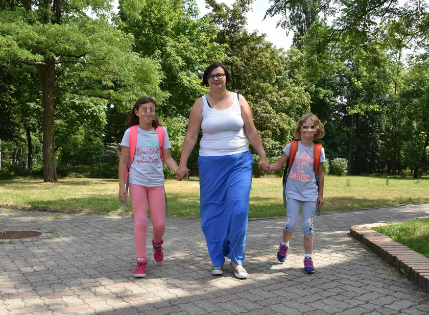 Bernadeta Tokarska z córkami