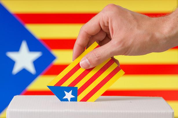 """Jak poinformował hiszpański dziennik """"El Mundo"""", rosyjski wpływ na nieuznawane przez rząd w Madrycie referendum niepodległościowe stał się szczególnie widoczny w ostatnich godzinach przed plebiscytem."""