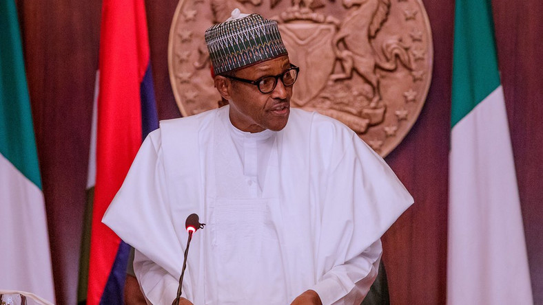 President Muhammadu Buhari is reportedly more interesting in consulting party leaders than state governors to form his cabinet. (Premium Times) (Twitter/@MBuhari)