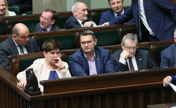"""""""Musi się zmienić w sądownictwie, musi się w wymiarze sprawiedliwości zmienić dużo, dlatego, że na to czekają Polacy, na to czekają obywatele"""" - zaznaczył"""