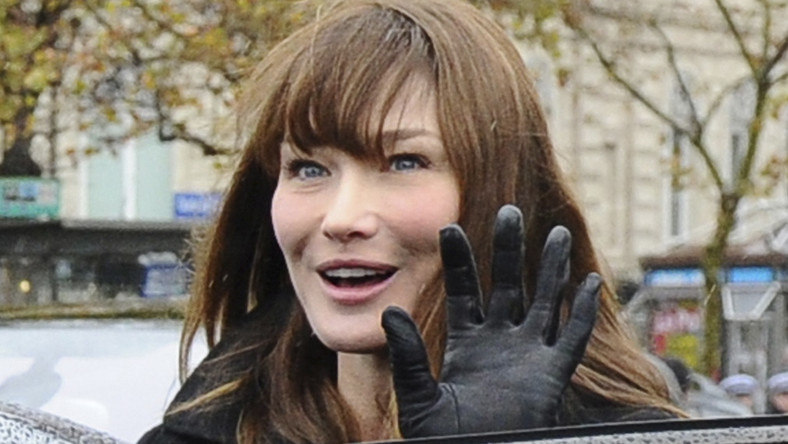 Superwoman Carla Bruni-Sarkozy