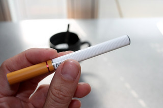E-papierosy pójdą z dymem - także w firmie