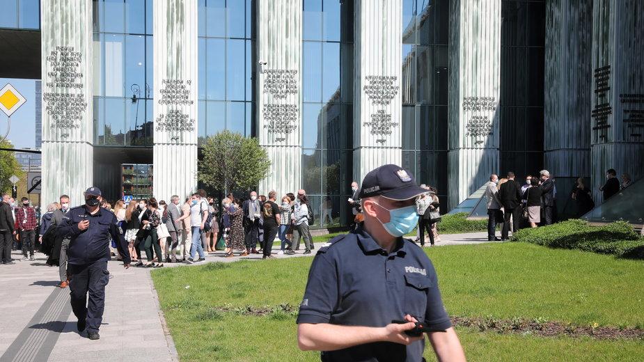 Ewakuacja pracowników Sądu Najwyższego w Warszawie